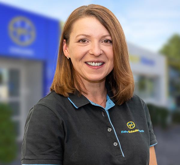 Nadine Ross, Fahrschule Hörth